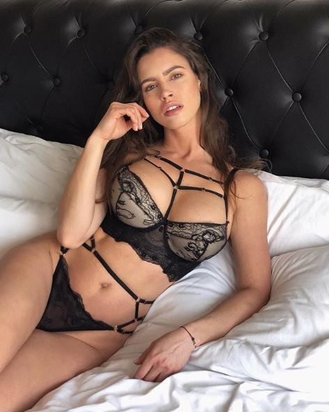 Lucia sexy Sex and